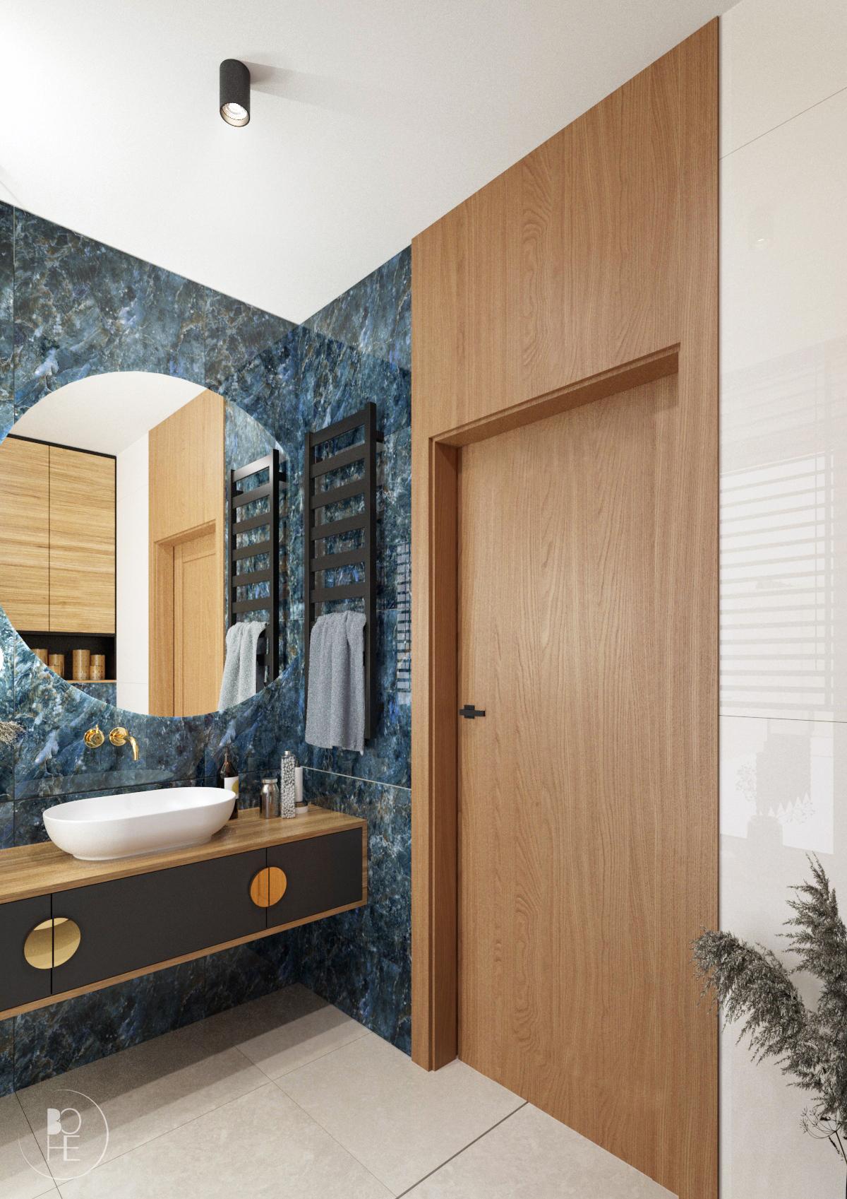 Projekt niebieskiej toalety z połączeniem drewna, bieli, czerni i złotych akcentów architekt wnętrz białystok 3